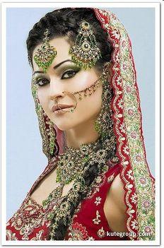 Keleti hercegnők esküvői díszben 04
