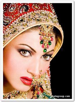 Keleti hercegnők esküvői díszben 12