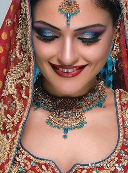Keleti hercegnők esküvői díszben 26