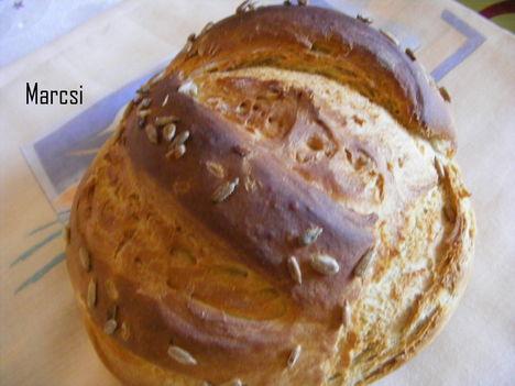 Napraforgó magvas kenyér 2