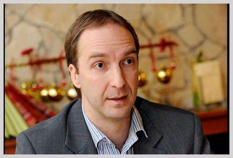 Oszkó Péter Oszkó Péter egykori pénzügyminiszter a Malévot az Európai Bizottságnál feljelentő Wizz Air igazgatósági tagja