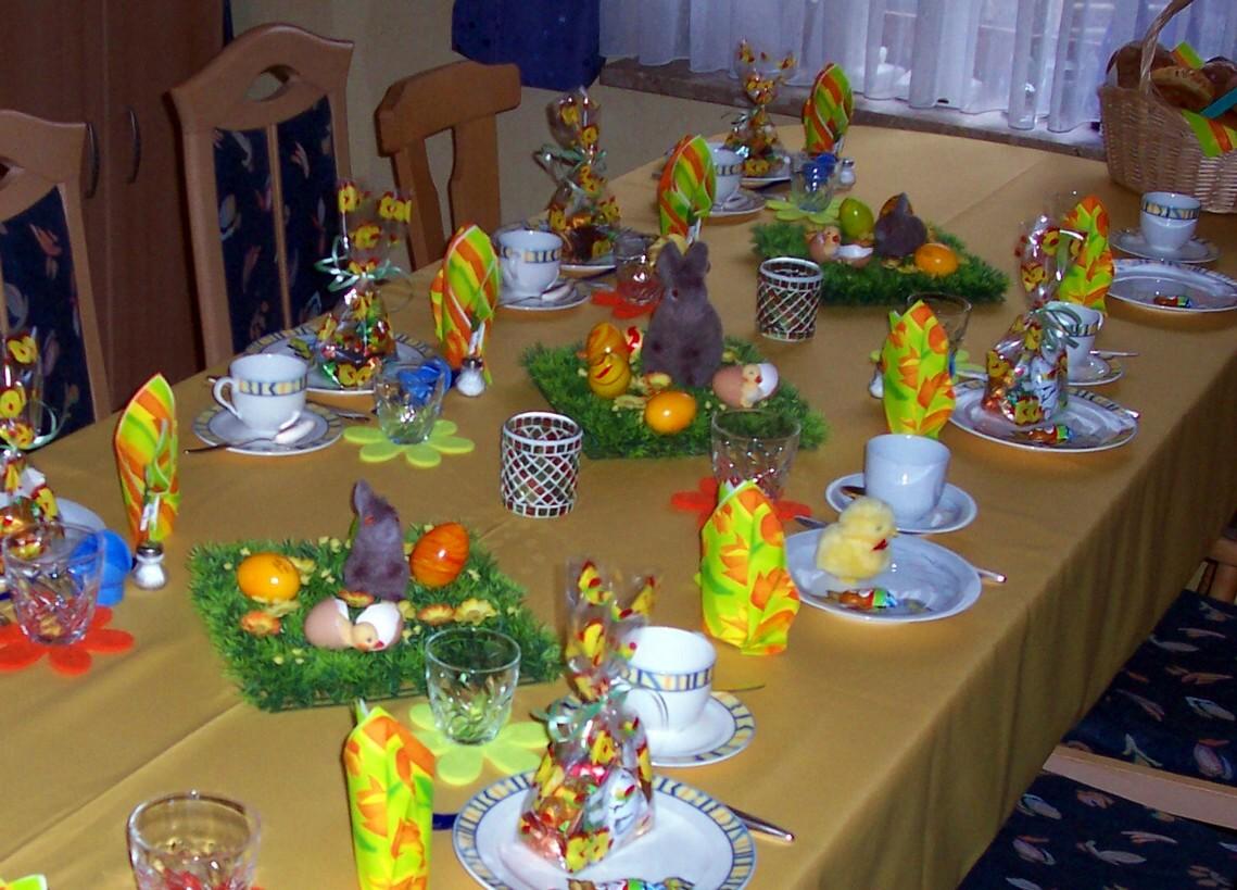 H sv t a h sv ti asztal gyerekeknek k p for Karneval dekoration tisch