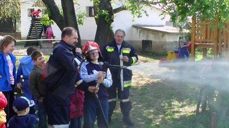 Ismerkedés a Téti tűzoltókkal 20