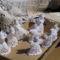 Olyan karácsonyi dísz, mint Kisbodakon,  Erdély, Székelyföld, Farkaslaka,Tamási Áron sírja előtt árulják a helyiek, 2011. június 23