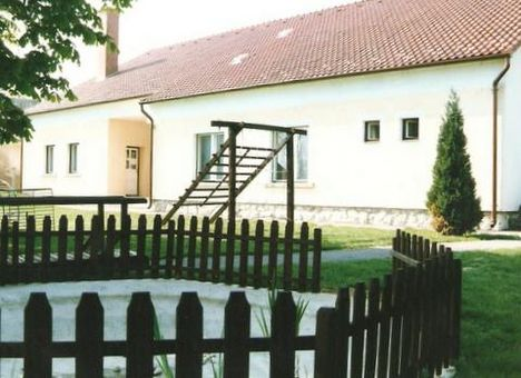 Kultúrházunk a felújítás után 1993