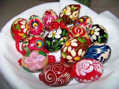 Kellemes és Áldott Húsvétot!