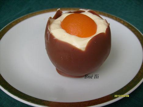 Krémmel töltött csokotojás