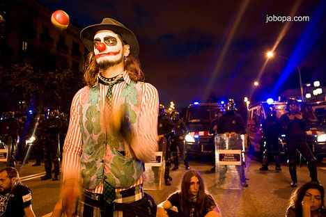 Fiatalok tüntetése Barcelona 1