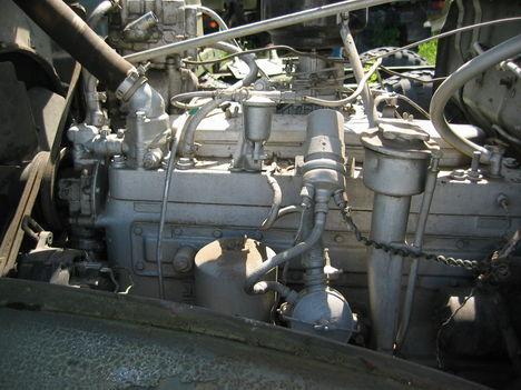 Zil-157 oldalszelepetl motorja