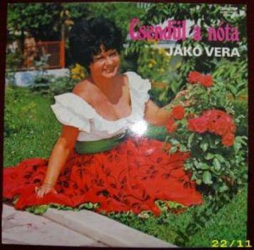 Jákó Vera , Csendül a nóta