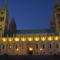 Pécs, a Székesegyház esti kivilágításban