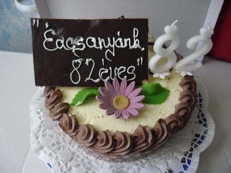 Születésnapi torta