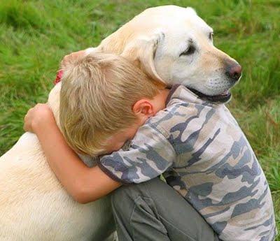 Ha ölelésre tárod ki karjaid,azzal a szíved is kitárod!