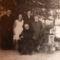 Nagymamám (Kiss Ilona) a képen az ülő férfi mögött látható.A többieket nem ismerem,ha valaki tudja kik ők az legyenszíves írni.