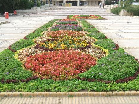 Szinházi tér