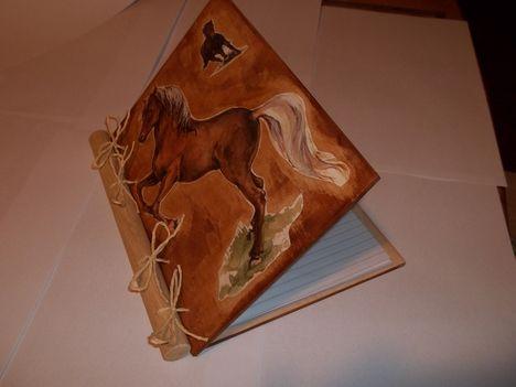 Fa füzetborító,lefűzhető lapokkal