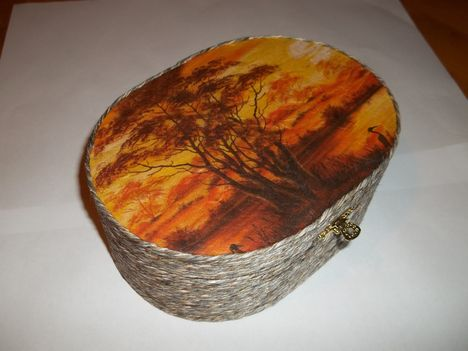 Kókuszzsinórral bevont,rizspapíros ovál doboz