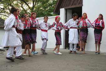 Moldvai csángó népviselet