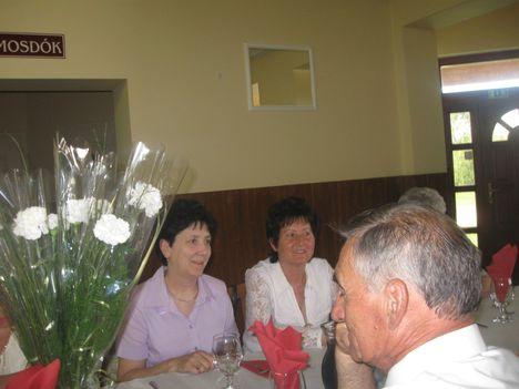 2012. Anyák, apák napja