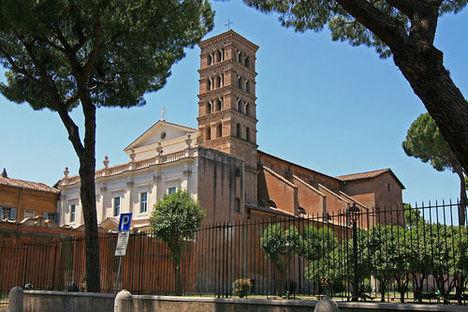 800px-Chiesa_di_Sant_Alessio_Roma_large