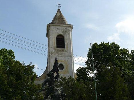 Hajmáskér  Szentháromság templom 11