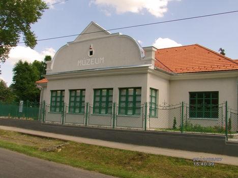 Múzeum 4