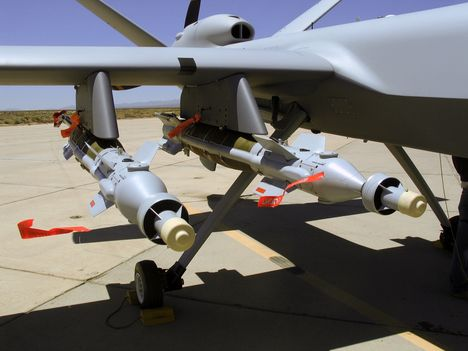 MQ-9 pilóta nélküli bombázó