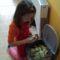 Nem könnyű a krumplipucolás :-)