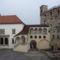 A vár belső udvara a Vörös-toronnyal