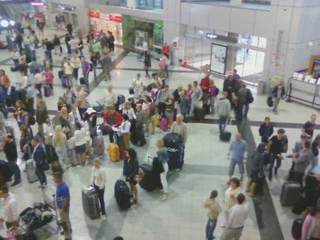 A 2-es A terminál az 1-es bezárását követő napokban 8