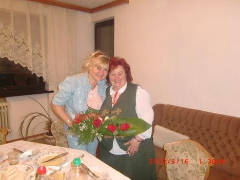 Hegedűs Erzsébet a Mercy együttes énekesnője és Annánk