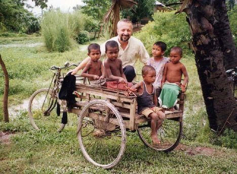 Bangaldes-i szegény gyerekek