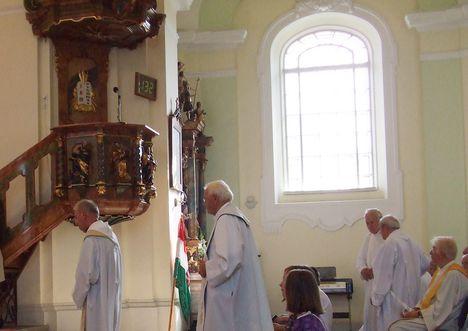Imre atya új miséje 030