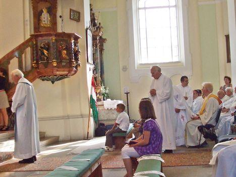 Imre atya új miséje 031