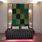 kirándulási pillanatképek szálloda szobai ágy, fényválasztékkal a háttérben