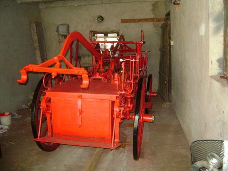 Köhler típusú tűzoltó szekér 21