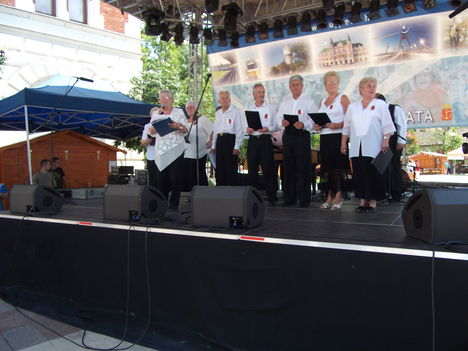 2012.jún.24.Újpesti Folklór-Napok a Főtéren