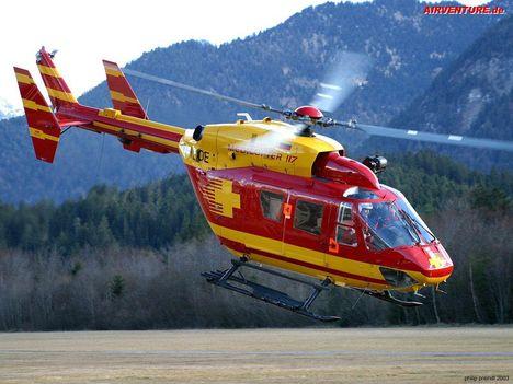 Mentőhelikopter BK-117