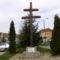Sopronbánfalva-kettős kereszt a posta elötti parkban