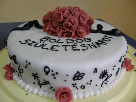 Rózsacsokros torta