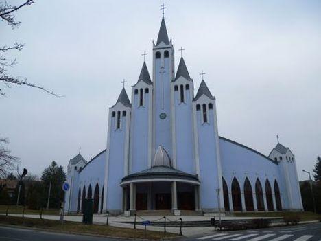 48878066 Hévíz szentlélek templom