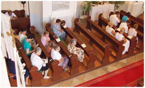 Köszöntés a templomban 017