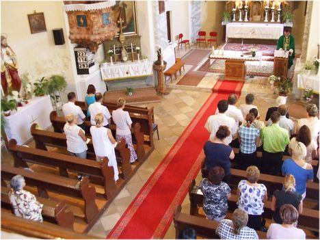 Köszöntés a templomban 031