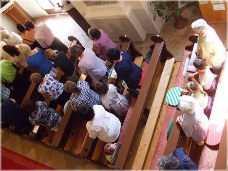 Köszöntés a templomban 033