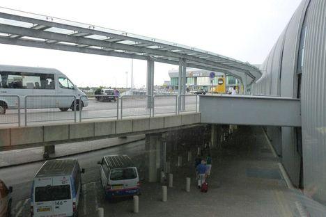 Budapest Airport fölött és érkezés 6
