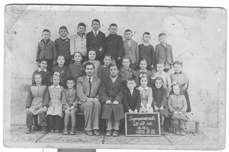 II.-IV. osztály 1956-ból.