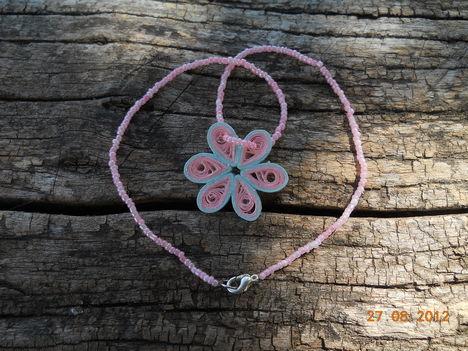 rózsaszín quilling , gyöngy nyaklánc