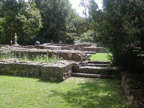 A Budaszentlőrinci Pálos kolostornál 1