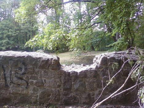A Budaszentlőrinci Pálos kolostornál 8