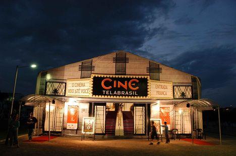 Filmszínház Búziosban
